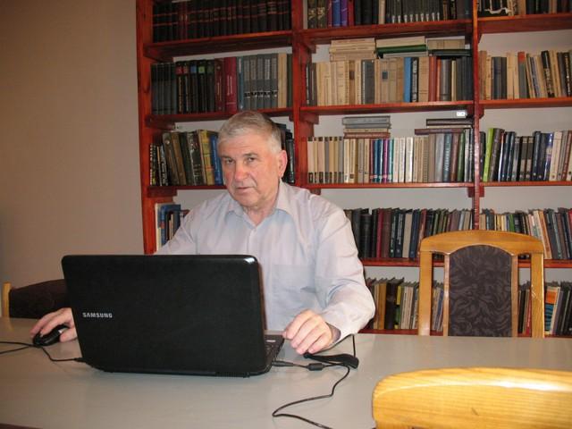 Tiến sỹ Vladimir Leonov.