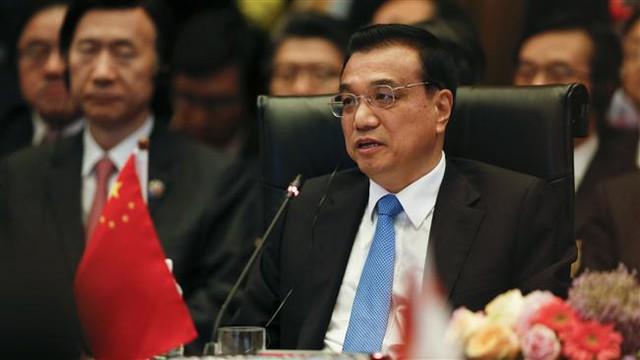 Ông Lý Khắc Cường phát biểu tại hội nghị thượng đỉnh ASEAN+3 hôm 21/11 ở Kuala Lumpur, Malaysia. Ảnh: AP