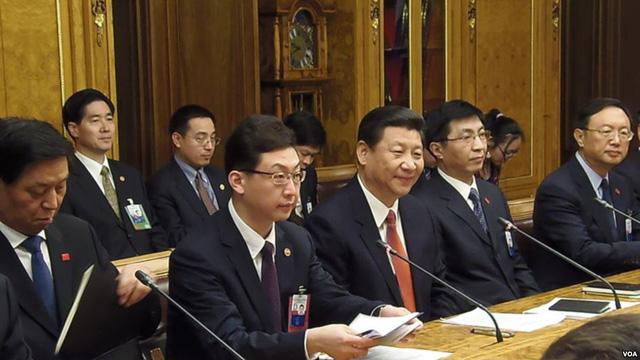 Các ông Dương Khiết Trì, Vương Hỗ Ninh (từ phải qua) và Lật Chiến Thư (trái) nhiều khả năng tham gia sự kiện cùng ông Tập Cận Bình.