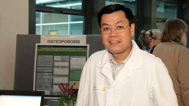 Giáo sư Nguyễn Văn Tuấn.