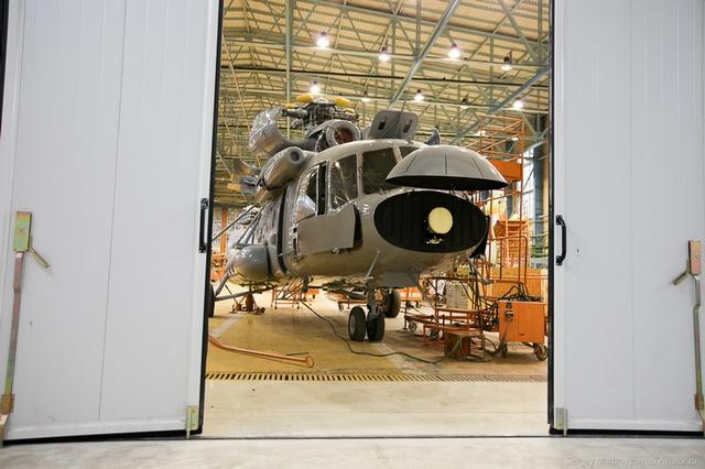 Mới đây nhất, đoàn đại biểu quân đội Indonesia đã có chuyến thăm đến nhà máy Kazan vào ngày 09-04 vừa qua và đã được nhà máy giới thiệu dây chuyền chế tạo trực thăng Mi-17V-5.