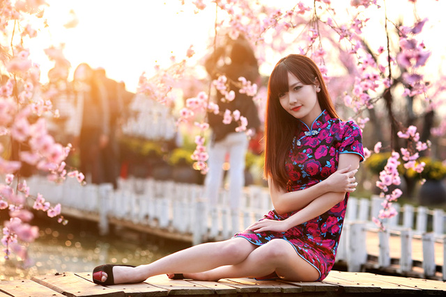 Không quá đình đám như những cô hot girl hiện tại, nhưng Nguyễn Thúy Hường đáng được xem là một gương mặt trẻ đầy triển vọng.