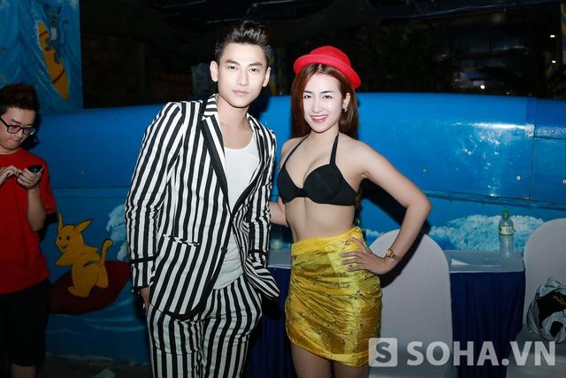 Cô chụp ảnh cùng Isaac,1 ca sĩ cũng tham gia The Remix .