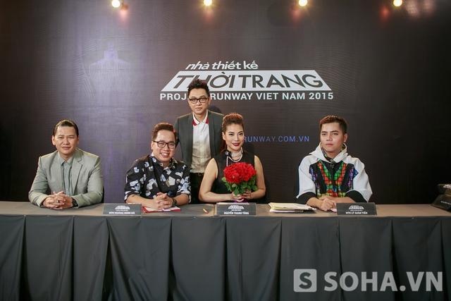 Các vị giám khảo quyền lực - cố vấn thời trang Tùng Leo, host Trương Ngọc Ánh, NTK Công Trí, NTK Hoàng Minh Hà.