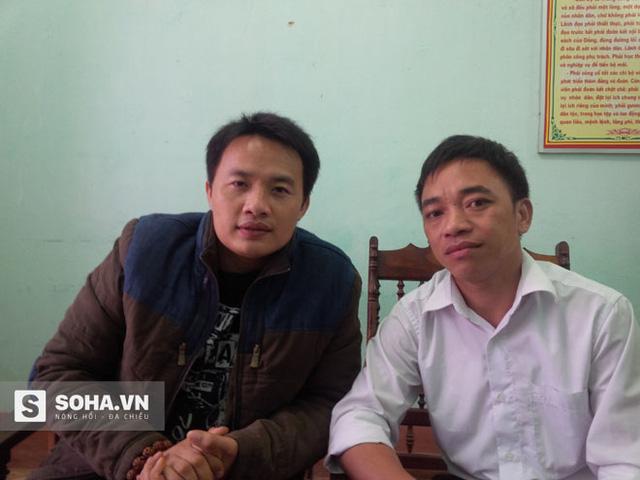 Ông Phàn Sành Châu (áo trắng), Phó chủ tịch UBND xã Tân Lập chia sẻ với chúng tôi về khó khăn của địa phương