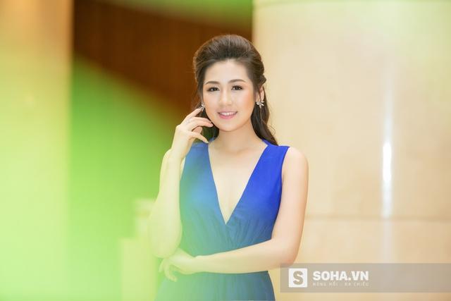 Đăng quang ngôi vị Á hậu Hoa hậu Việt Nam 2012 từ năm 19 tuổi, nhan sắc của Tú Anh ngày càng hoàn thiện và xinh đẹp hơn.