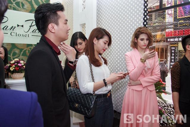 Sau những ồn ào không đáng có, Lee Balan lần đầu xuất đầu lộ diện ở một sự kiện khai trương ở Hà Nội.