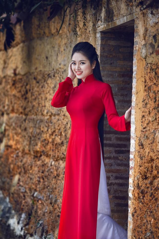 Năm vùa qua Ngọc Anh là đại diện hình ảnh của chương trình Áo xứ Thanh do đoàn thanh niên tỉnh Thanh Hoá phát động. Cô đích thân tới những vùng sâu, vùng xa của Thanh Hóa để động viên, chia sẻ với những người nghèo.
