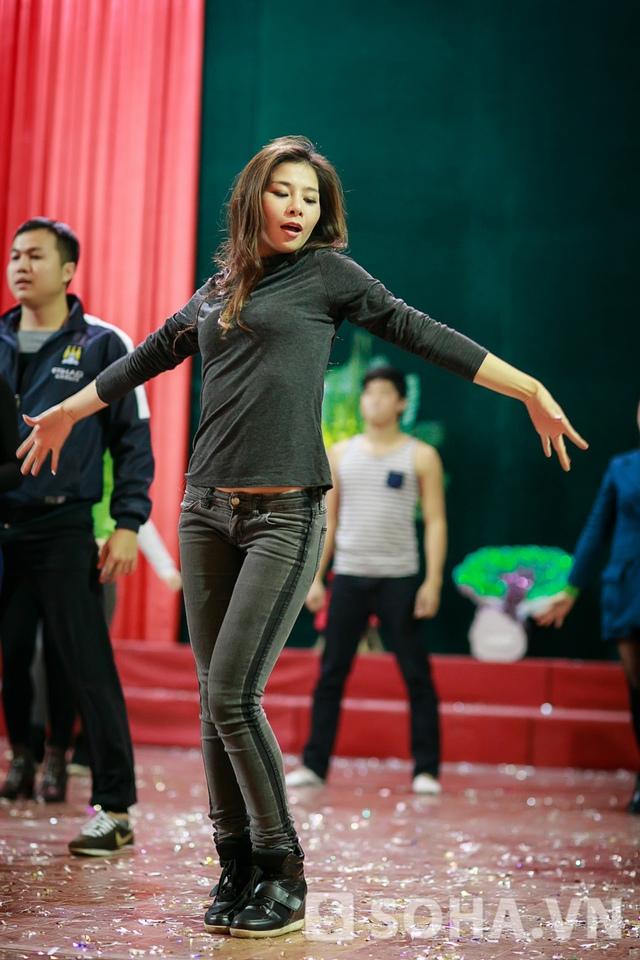 Hiện tại, Lưu Kỳ Hương đang là thành viên của Đội tuyển ca nhạc của Tổng cục viễn thông quân đội. Ngoài ra, chị còn tranh thủ chạy show phòng trà, đi diễn tỉnh.