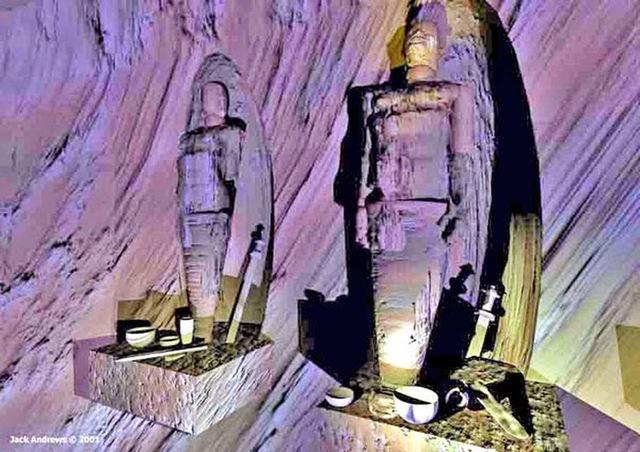 Các xác ướp được cho là có chiều cao tới hơn 9 feet (2,7 mét).