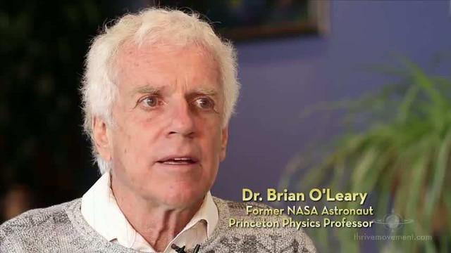 Tiến sĩ Brian O'leary, cựu phi hành gia và chuyên gia vật lý tại Princeton
