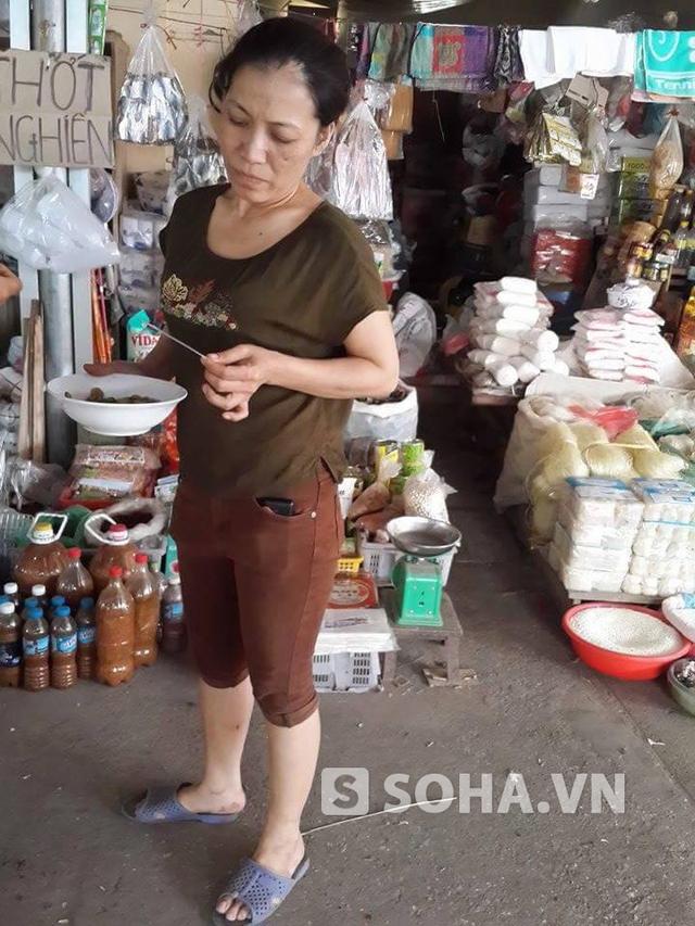 Chị Chung, chủ cửa hàng bị mất đồ