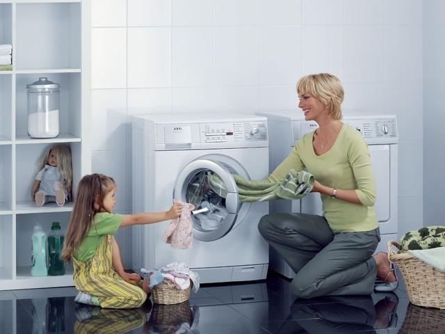 Bệnh lậu có thể lây qua đường ... máy giặt?