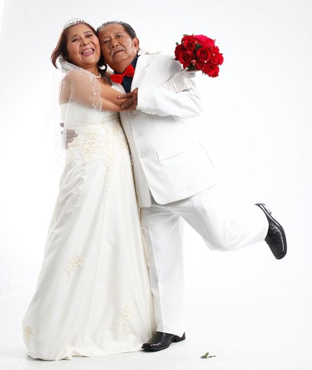 NSƯT Lê Thiện đóng cô dâu - chú rể với Mạc Can.