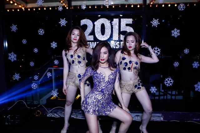 Là một trong những nữ nghệ sĩ đầu tiên của Việt Nam theo đuổi hình ảnh pop dance, Hoàng Thùy Linh không ngại thử thách mình ở nhiều dòng nhạc khác nhau như pop ballad hay chill out hay gần đây nhất là thể loại EDM, một xu hướng thịnh hành trên thế giới.