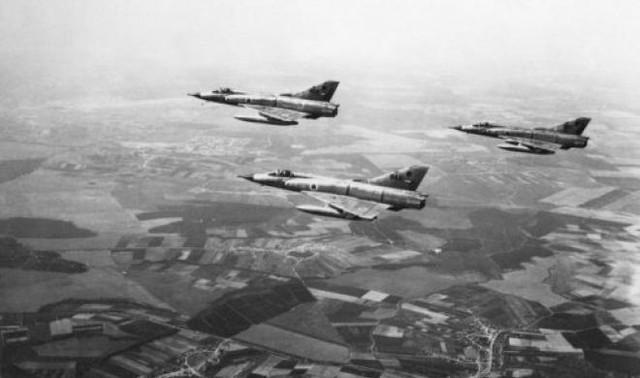 Biên đội máy bay tiêm kích Mirage-III của Không quân Israel.