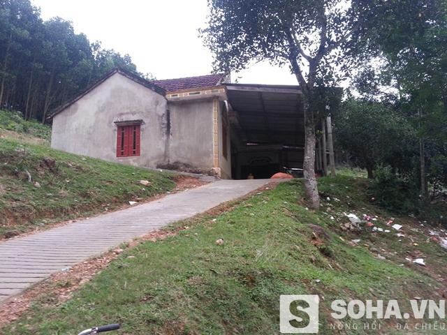 Sau đám cưới gây xôn xao dư luận, cô dâu T. 14 tuổi đã trở về nhà mẹ đẻ tại xã Hương Minh để sinh sống.