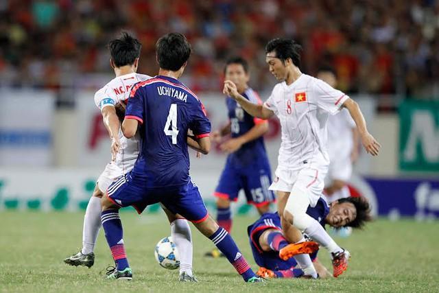 Tuấn Anh đối đầu với U19 Nhật Bản.