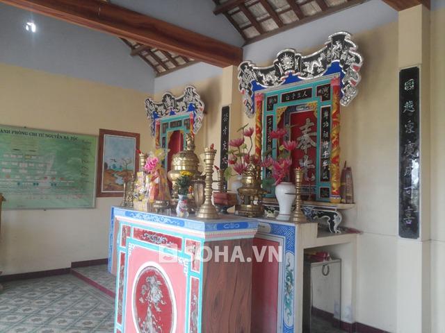 Nhà thơ được xây dựng theo đặc trưng kiến trúc nhà thờ của xứ Quảng xưa, với 3 gian nhà để thờ phụng ông bà tổ tiên.