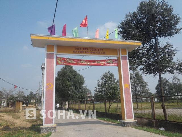 Cổng vào làng Dương Sơn (xã Hòa Tiến, Hòa Vang) quê hương ông Thanh.