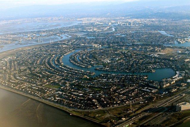 Thung lũng Silicon ở Mỹ - nơi tập trung những doanh nghiệp về công nghệ cao hàng đầu thế giới .Ảnh: FLICKR/NOUHAILLER