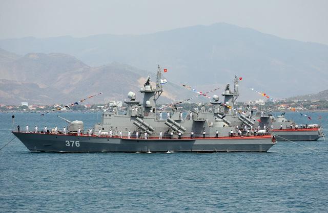 Tàu tên lửa tấn công nhanh Molniya Dự án 1241.8 của Hải quân Việt Nam