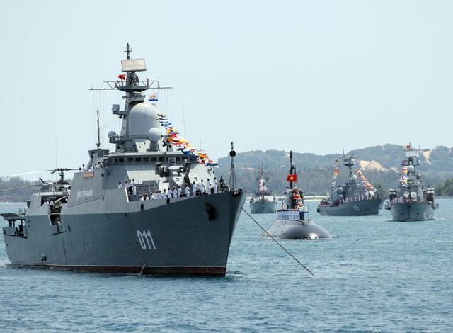 Tàu hộ vệ tên lửa lớp Gepard-3.9 của Việt Nam được trang bị tổ hợp pháo/tên lửa phòng không Palma sử dụng đạn tên lửa 9M311 Sosna-R