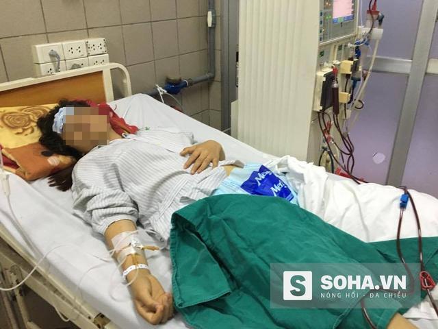 Chị Lê Thị T đang được điều trị tích cực tại Bệnh viện Bạch Mai.