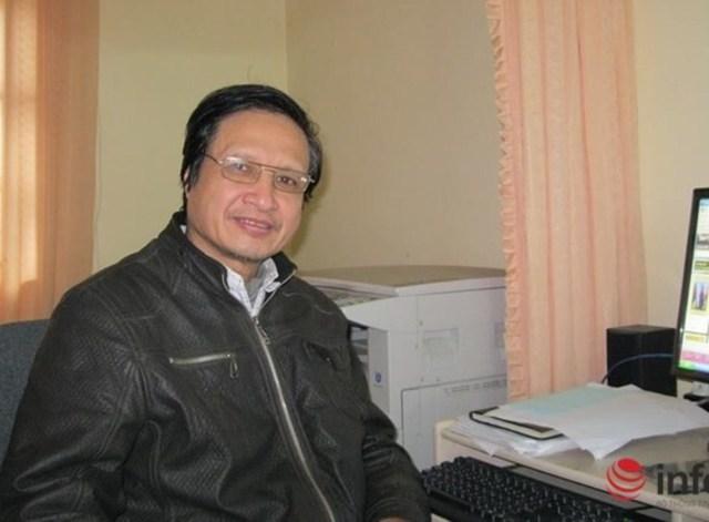 Thầy giáo Trần Đình Trợ.
