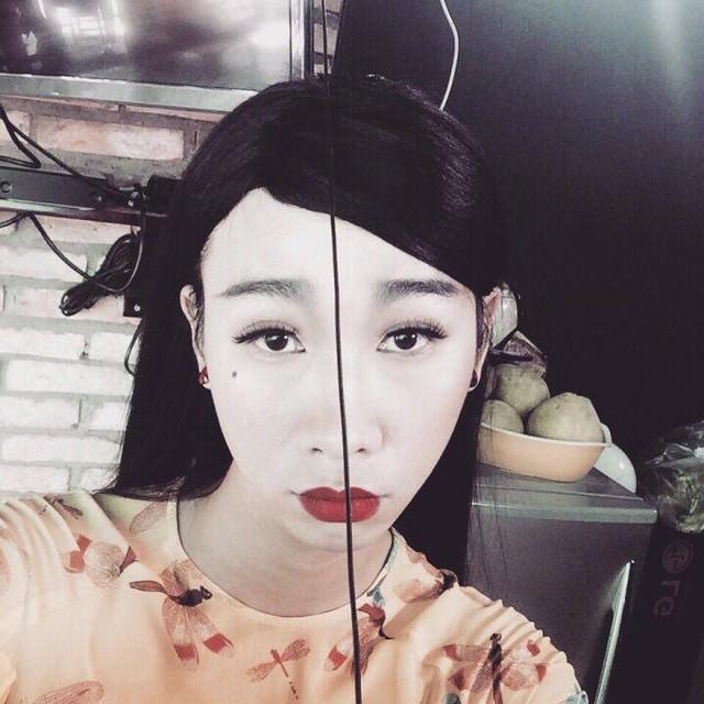 Hải Triều thường xuyên vào những vai giả gái. Cũng vì vậy mà mỗi lần gặp anh, danh hài Hoài Linh lại khoác vai giới thiệu:Thằng này là em gái của tao nè mấy đứa.