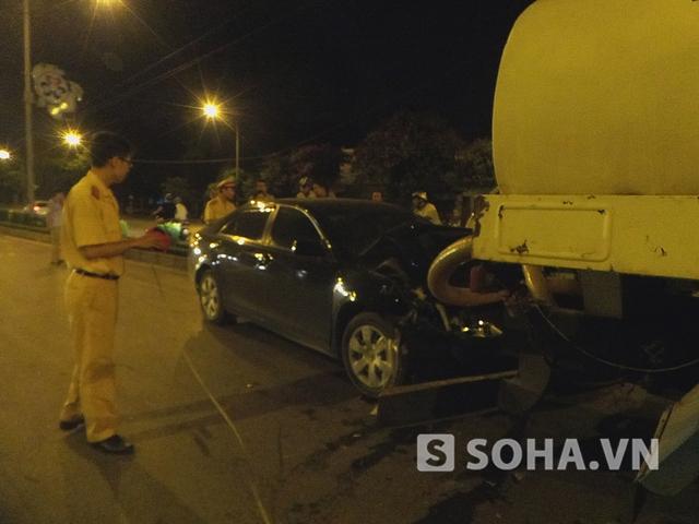 Sự việc xảy ra vào khoảng 22h 30 (15/5), tại nút giao thông Phương Mai, Giải Phóng.