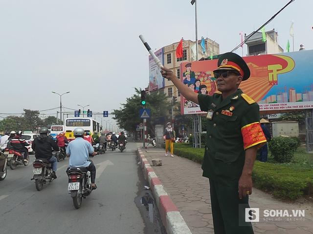 Ông Nguyễn Hữu Thời với động tác khá chuyên nghiệp