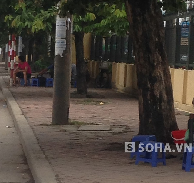 Hàng trà chén mọc lên như nấm ở phường Thịnh Liệt