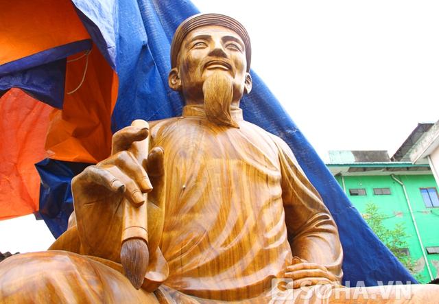 Vợ anh - chị Nguyễn Thị Vân Huyền (SN 1979) là cháu đời thứ 8 của dòng họ của cụ Đại thi hào Nguyễn Du.