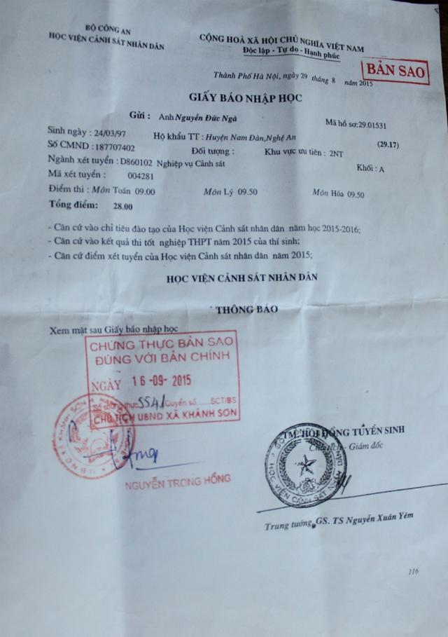 Giấy báo nhập học vào Học viện Cảnh sát nhân dân của Ngà với tổng điểm 29.