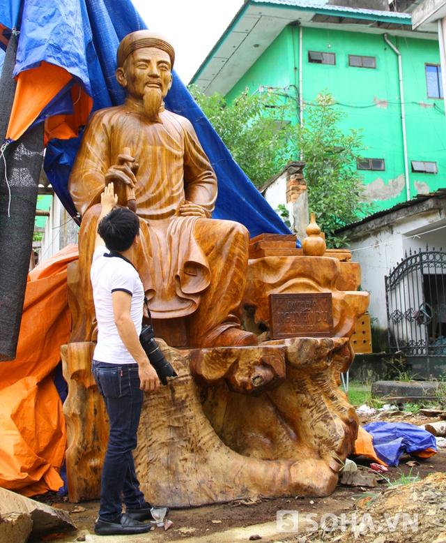 Sau hơn 3 tháng làm việc cật lực, bức tượng đã được hoàn thành vào cuối tháng 9 vừa qua.