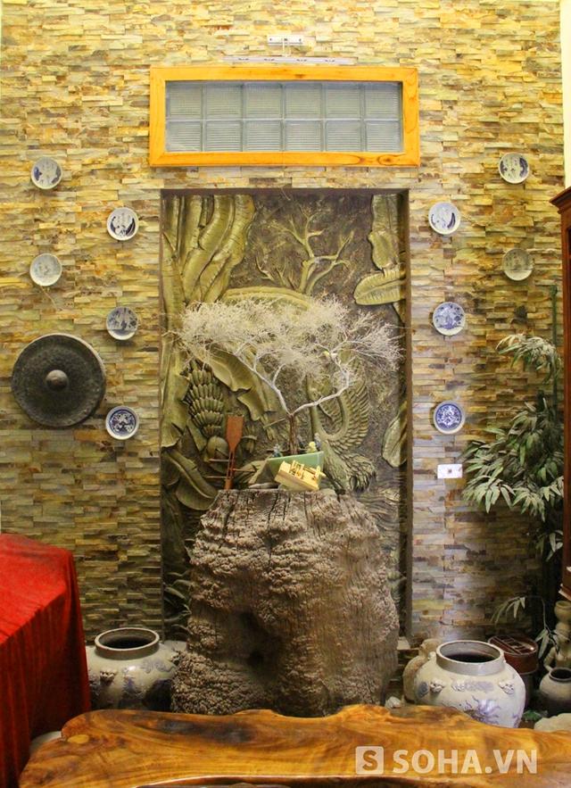 Được biết, anh Huy là thành viên Hội Di sản Sông Lam (Nghệ An) và đam mê đồ cổ. Trong nhà anh có đến hàng nghìn đồ cổ có tuổi đời từ trăm năm đến cả nghìn năm.