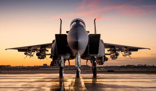 """F-15SA có khả năng mang vũ khí đa dạng để trở tiêm kích chiến thuật đa năng tất cả trong một""""."""