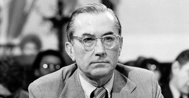 William Colby trong phiên điều trần trước Quốc hội về sự thật những hành tung của CIA. Ảnh: Google Images