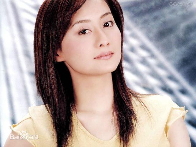Nét đẹp ấy vẫn theo Trần Đức Dung dù cô đã bước qua tuổi 42 và gần như biến mất khỏi làng giải trí.