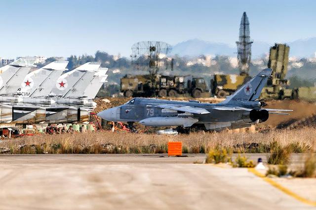 Không quân Nga triển khai ở Syria.