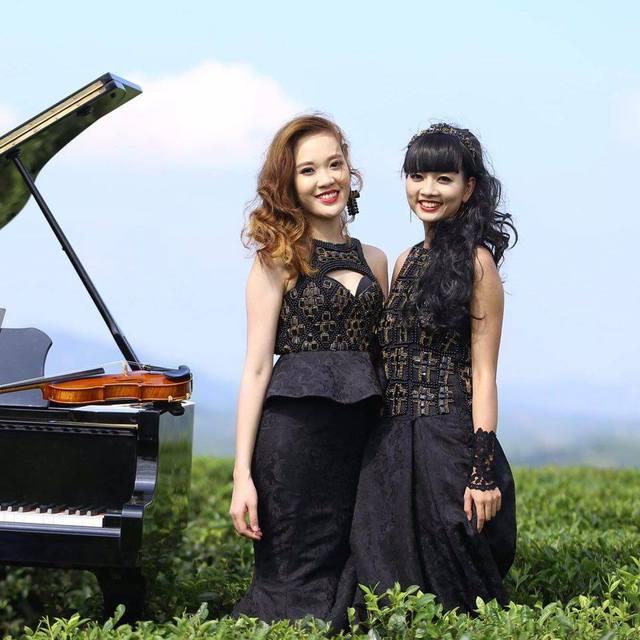 2 cô gái xinh đẹp của nhóm Black Clover.