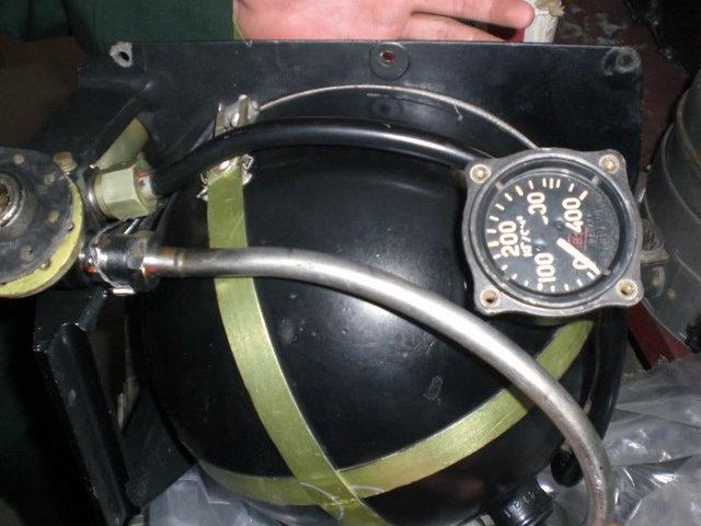 Bình khí nén trong đạn tên lửa S-75.