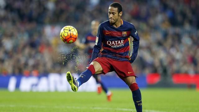 Neymar đang gặp rắc rối do nghi án trốn thuế.