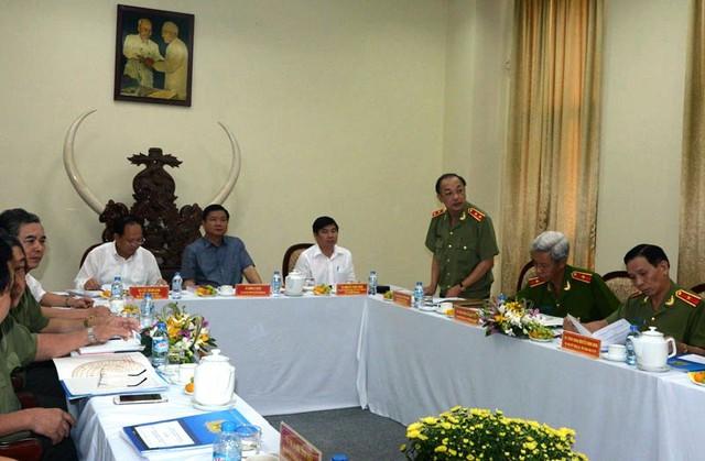 Trung tướng Lê Đông Phong - Giám đốc Công an TP.HCM báo cáo