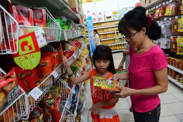 Tại siêu thị Big C Hoàng Văn Thụ, Q.Phú Nhuận (TP.HCM) có bán đủ loại hàng Thái, từ bánh snack...