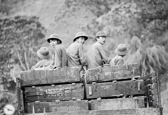 Bộ đội Việt Nam hành quân lên chiến đấu bảo vệ biên giới năm 1979
