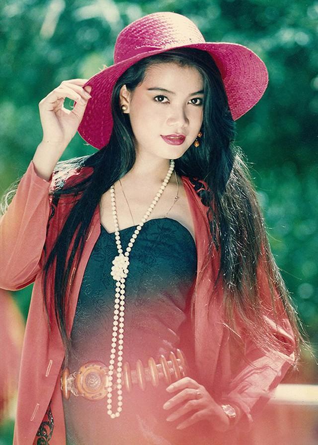 Trước khi được biết đến nhiều với các vai diễn nóng bỏng, Trương Ngọc Ánh từng là một trong những mẫu nữ nổi tiếng của Việt Nam.