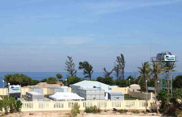 Toàn cảnh nhà máy khử nước mặn thành nước ngọt cung cấp cho người dân đảo Bé