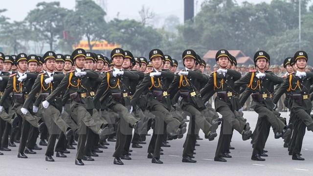 Khối nam sỹ quan an ninh nhân dân. (Ảnh: Minh Sơn/Vietnam+)